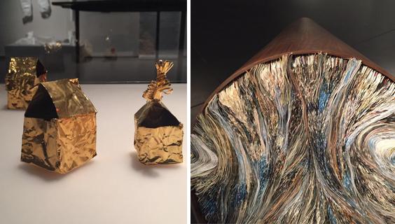מגולגלים בתוך נייר מוזהב. מימין: עבודה של כרמל אילן, משמאל: של מירית ויינשטוק
