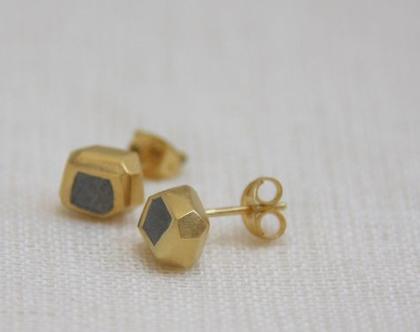 עגילים צמודים במילוי בטון | עגילי זהב קטנים