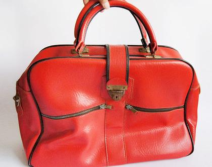 תיק נסיעות אדום וינטג' | תיק / מזוודה באדום | vegan וינטג' מד מן משנות ה50'