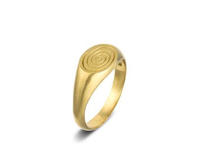 טבעת חותם, טבעת עם חריטה אישית, טבעת נישואין, טבעת חותם מזהב, טבעת חותם לגבר, טבעת חותם לאישה