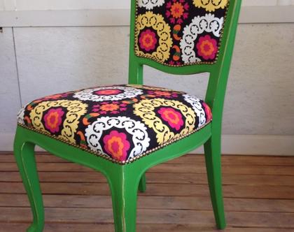 כיסא בצבע