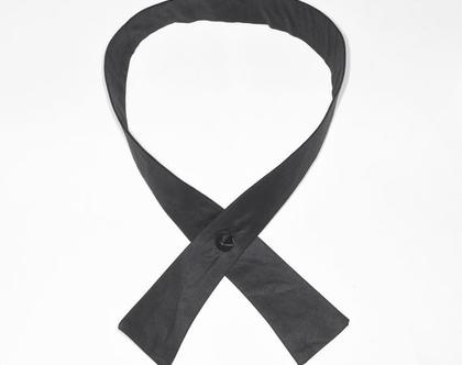 """פפיון """"אדוה""""  פפיון  עניבה   עניבה לנשים   עניבה שחורה לנשים   עניבה שחורה   חולצה מחויטת   פפיון שחור   אופנה לנשים"""