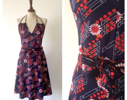 שמלת וינטג' פרחונית עם גב פתוח שמלה לקיץ שמלה מיוחדת שמלת מידי שמלה מחמיאה שמלת רטרו