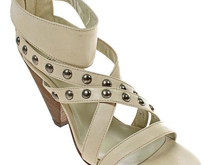 עור אמיתי! נעלי עקב נשיות בצבע בז' של MALLY תוצרת איטליה