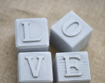 קוביות בטון LOVE | אותיות בטון מעוצבות | דקורציה לחדר שינה | קוביות עם אותיות | עיצוב הבית | מתנה לולנטיינ׳ז | LOVE