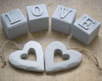 מארז אהבה מיוחד | קוביות עם אותיות LOVE ו-2 יח' לב לתלייה | אהבה | עיצוב הבית | אקססוריז לבית| מתנה לולנטיינ׳ז