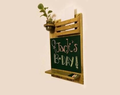 לוח מחיק- עץ ממוחזר-כולל תא לדואר ומתלה למפתחות-דגם אנה-ירוק, מתלה מעוצב, מתנה מיוחדת, עיצוב המטבח.