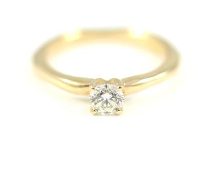 טבעת אירוסין   טבעות זהב 14 קארט   טבעת יהלום   מעצבת תכשיטים בתל אביב   אורה דן מעצבת תכשיטים   עיצוב טבעות אירוסין  