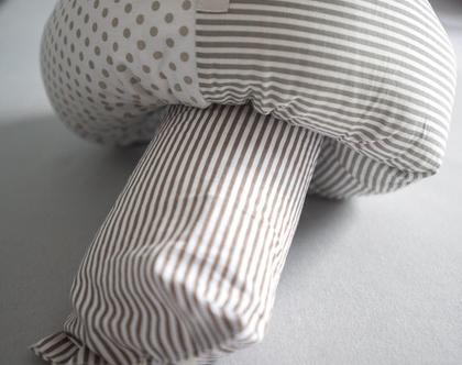 נחשוש מעוצב אפור בז' - מגן ראש איכותי ומעוצב למיטה תינוק / ילד.