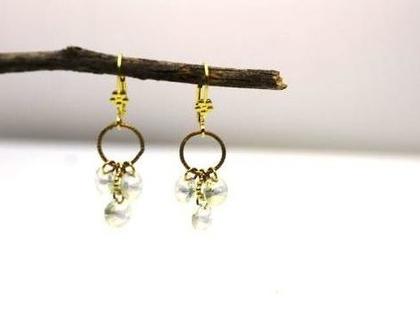 ONE OF A KIND. עגילי קריסטל שקופים. עגילים בציפוי זהב, תכשיטים לחתונה - תכשיטים לכלה- עגיל נוצץ - עגילי כלה. עגילים לכלה