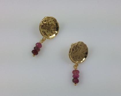 עגילי מטבע זהב צמודים, עגילי זהב צמודים, עגילי מטבע זהב, עגילי זהב צמודים ואבני טורמלין, עגילים צמודים מתנה, מתנה מקורית לאשה, עגילים מיוחדי