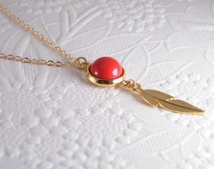 שרשרת זהב וקורל,שרשרת גולדפילד עם קורל אדום.