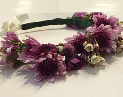 קשת פרחים סגולים ולבנים | קשת יום הולדת | קשת פרחים | זר יום הולדת | יום הולדת | קשת ראש
