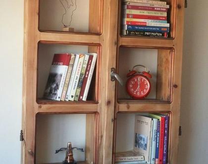 ארונית מדפים מחלון ישן/מדף מחלון ישן / ארון מעץ ממוחזר /מדפי עץ מעץ ממוחזר