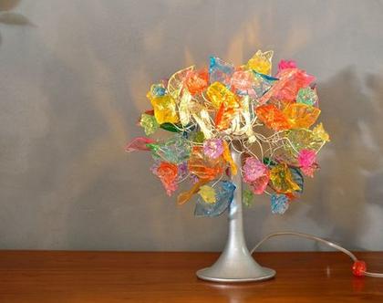 מנורת שידה פרחים ועלים בצבע פסטל
