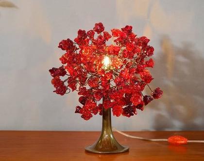 מנורת שידה ורדים אדומים