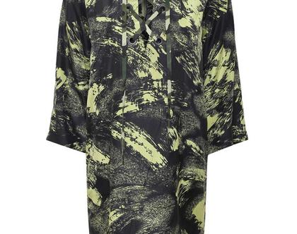 שמלת משי מודפסת ירוק זית, שמלה עם שרוך, שמלת מיני, שמלה ישרה עם מחשוף