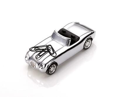 משקולת נייר עם גלגלים זזים בסגנון מכונית משנות ה-50 | מגנט לאטבים | מצופה כרום כסוף | מתנה למשרד