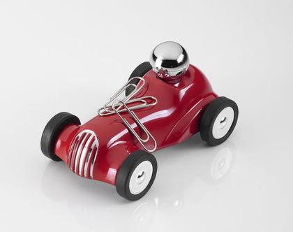 משקולת נייר עם גלגלים זזים בסגנון מכונית מירוץ משנות ה-30 | מגנט לאטבים | דגם בצבע אדום | מתנה למשרד