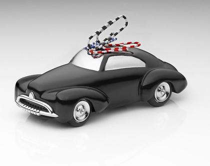משקולת נייר עם גלגלים זזים בסגנון מכונית משנות ה-50 | מגנט לאטבים | שחור עם חלקים מצופים כרום כסוף | מתנה למשרד