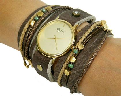 שעון מתוכשט בעור חום עם לוח קלאסי חלק