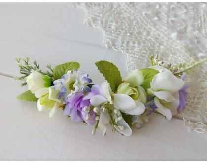 סיכת פרחים לשיער | סיכה מפרחי משי | סיכה לכלה | סיכה בגוונים סגול ולבן | סיכה מעוצבת | סיכת פרחים לראש | תכשיט פרחים לכלה