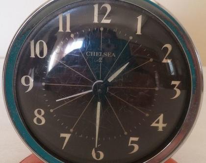 שעון מעורר וינטג', שעון מכני, שעון אנלוגי, ויטאג', שעון שולחני, שעון כתום, פריט עיצובי לבית, שעון ישן,