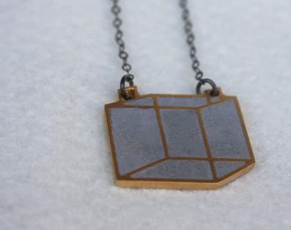 תליון קוביה דו מימדי זהב ובטון