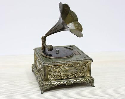 מצית/גרמופון וינטאג׳ יפנית מנגנת