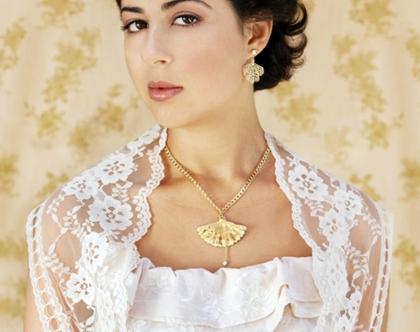 שרשרת מניפה עם פנינה -שרשרת זהב לאישה