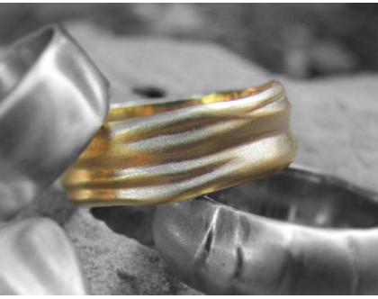 טבעת נישואין גלים 18K, טבעת נישואין זהב צהוב, טבעת נישואין לגבר, טבעת נישואין מיוחדת, טבעת נישואין מעוצבת, טבעת זהב לחתן, טבעת זהב עבודת יד