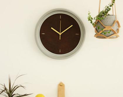 שעון קיר בטון ועור I עיצוב הבית I אקססוריז לבית I שעון קיר לחדר שינה I שעון קיר למטבח I שעון קיר לפינת האוכל