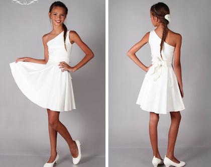 שמלת חצי כתף לבת מצווה של המעצבת שירן סבוראי