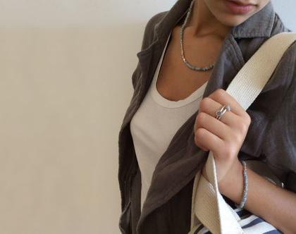 טבעת קונוס S קטנה | טבעת כסף ובטון | טבעת עדינה | כסף ואפור |