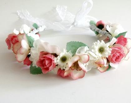 זר לראש | זר מפרחים מלאכותיים | זר מפרחי משי | פרחים לשיער | זר ליום הולדת | זר ורוד לבן | זר לבוק | זר פרחים