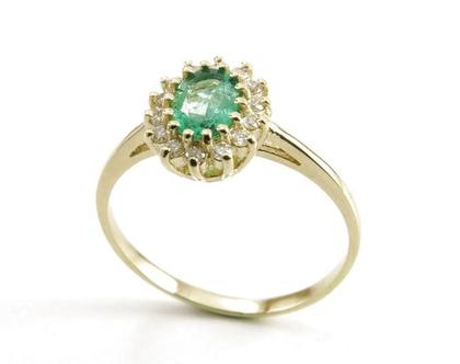 טבעת אירוסין דגם דיאנה משובצת באמרלד ויהלומים בזהב צהוב 14 קאראט|טבעת דיאנה