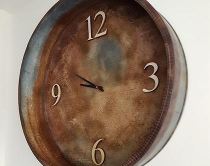 שעון קיר גדול ומעוצב