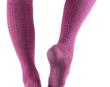 גרביים לפילאטיס ויוגה עד הברך, אצבעות חצויות-HALF TOE SCRUNCH KNEE HIGH GRIP SOCKS