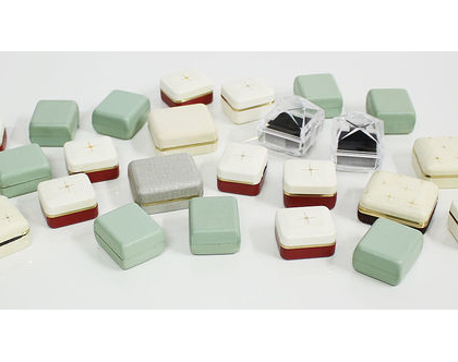 24 קופסאות תכשיטים וינטאג׳ משנות החמישים, קופסה לטבעת, קופסה לעגילים