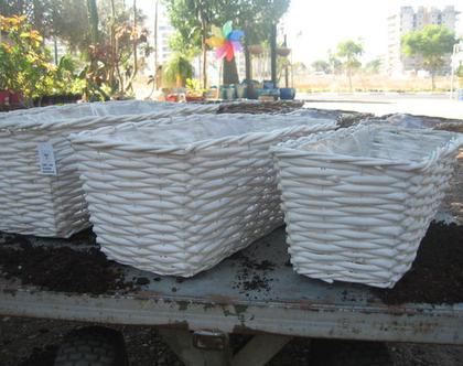 סל קש לבן m לשתילת צמחים עם ציפוי ניילון