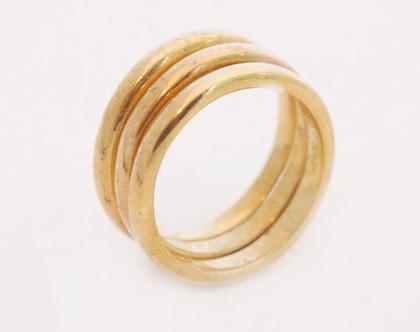טבעת שלשה חישוקים שטוחים בציפוי זהב
