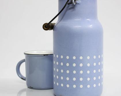 כד חלב וינטאג׳ וכוס אמייל בצבע תכלת