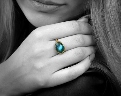 טבעת לברדורייט אובל מכסף 925 - טבעת מיוחדת - טבעת אבן חן - טבעת בשיבוץ אבן