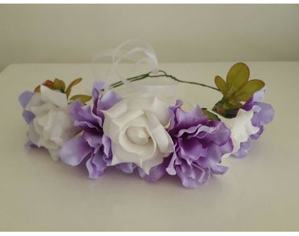 זר לראש | משי | זר פרחים | עיטור ראש | כתר | חגיגה | יום הולדת | קישוט | סגול לבן | מלאכותי
