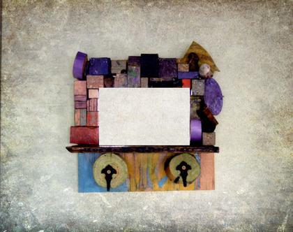 מראה מעוצבת | מראה קטנה | מתנה לבית | עיצוב צבעוני |