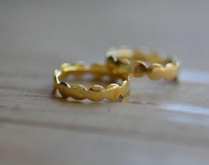 טבעת זהב, טבעת עיגולים, טבעת מיוחדת, מתנה לחברה, טבעת ליום יום, טבעות ליומיום, טבעת עדינה, טבעת נישואין, סט טבעות, טבעת מידי, אפרת מקוב