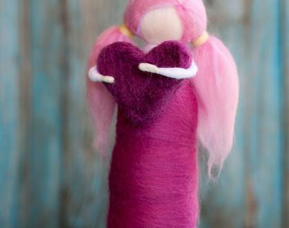 בובה מצמר, בובה מלובדת, לבבית, בובה עם קוקיות, בובה ורודה, עבודת יד, מתנה לבת מצווה, מתנה לחברה