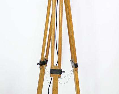 פנס תיאטרון וינטאג׳ על חצובת עץ, מנורת חצובה וינטאג׳, מנורת חצובה גדולה