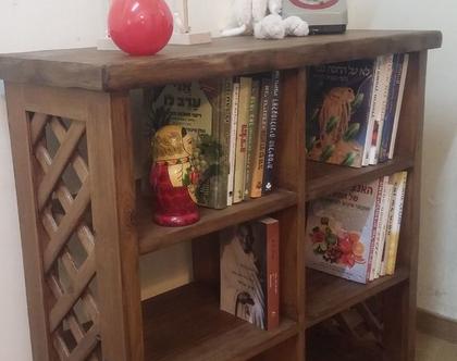 כוננית כוורת, כוננית כוורת מעץ, ספריה, כוננית לספרים, כוננית מדפים, לעיצוב הבית, כוורת לאחסון