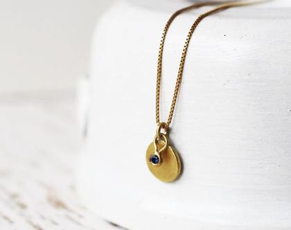 תליון פלטה ותליון קטן משובץ ספיר על שרשרת זהב